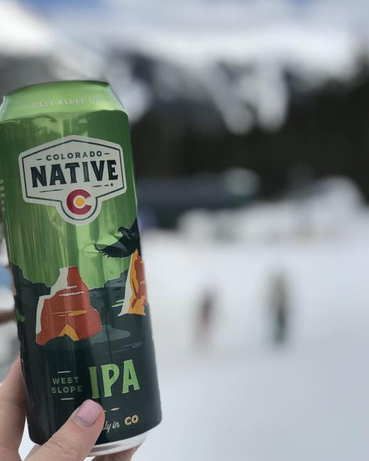 Springtime in the Rockies gives us the opportunity to enjoy a few of our favorite things -> 🎿 🍻 ☀️