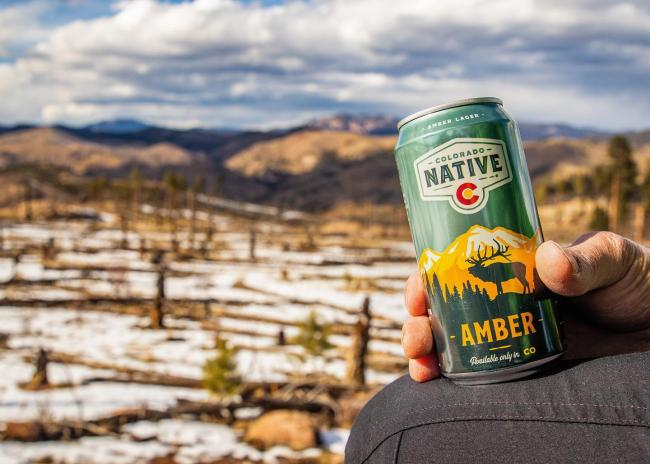 Social distancing and staying home at its finest. If only we were all so lucky. Cheers 🍻 . . . #coloradonative #coloradonativebeer #stayathome #socialdistancing #happyhour #100percentcoloradoingredients #onlyavailableincolorado #colorado #keepcoloradobeautiful